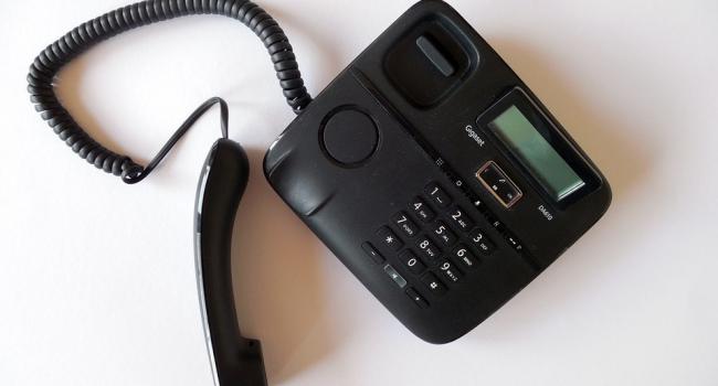 Жители области в праздники провели у телефона миллион минут