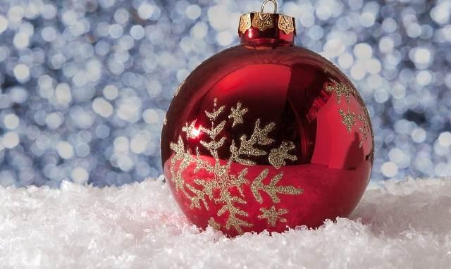 Горожане смогут бесплатно отправить новогодние открытки