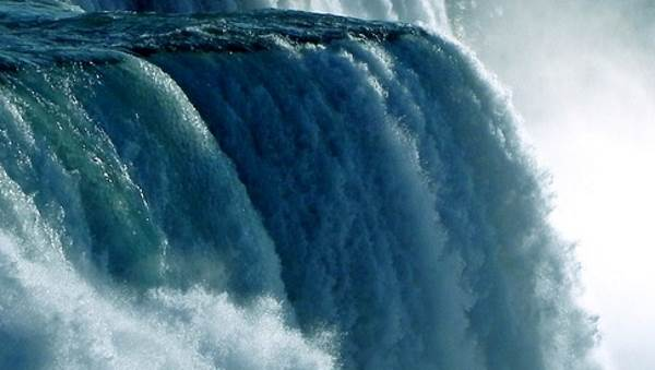 В Чили «ожил» водопад