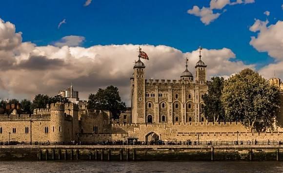 Герои «Игры престолов» присоединились к гвардейцам Лондонского Тауэра